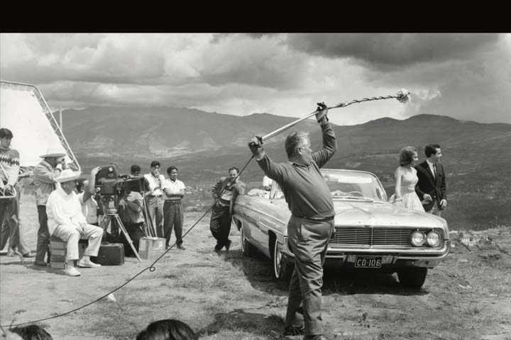 1963 En la mitad del mundo