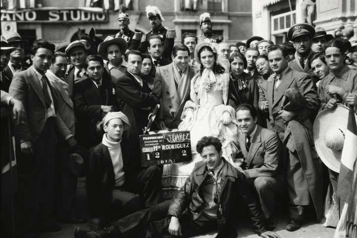1933 Juárez y Maximiliano (La caída del imperio)