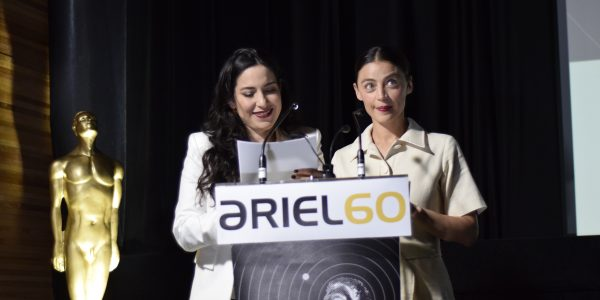 Ilse Salas y Tiaré Scanda